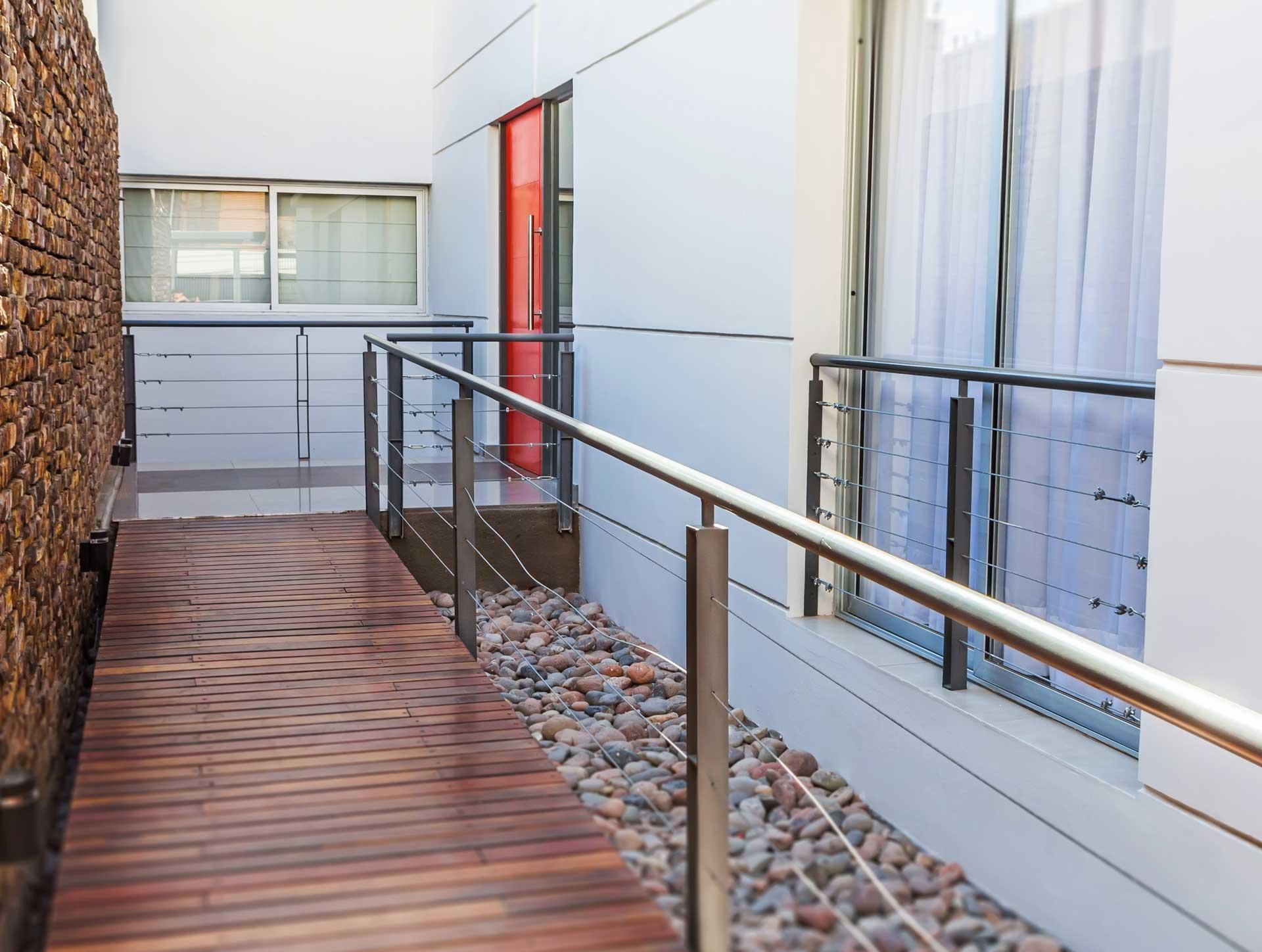 Balcones de los andes pleno desarrollos for Balcones minimalistas fotos